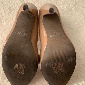 Aldo Shoes - Nude Patent leather heels size 7 EUC tan Stilettos